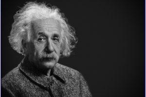 Buku Biografi Albert Einstein yang Menarik