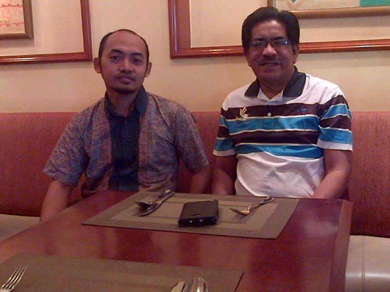 Penulis Biografi Indonesia bersama Penulis Biografi Malaysia, Prof. Dr. Roosfa Hasyim