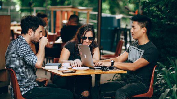 5 Kelebihan Bisnis Kreatif